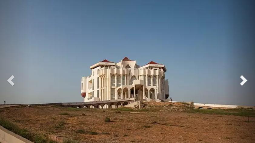 Палац відкритий для відвідування з 9:00 до 19:00 \ russianemirates.com