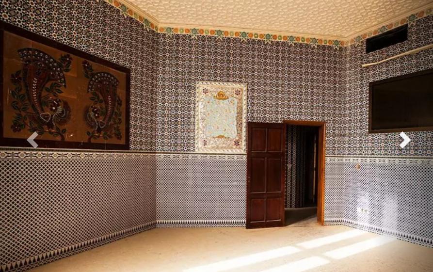 Інтер'єри в 35-кімнатному особняку виконані в марокканському, арабському, індійському стилях \ russianemirates.com