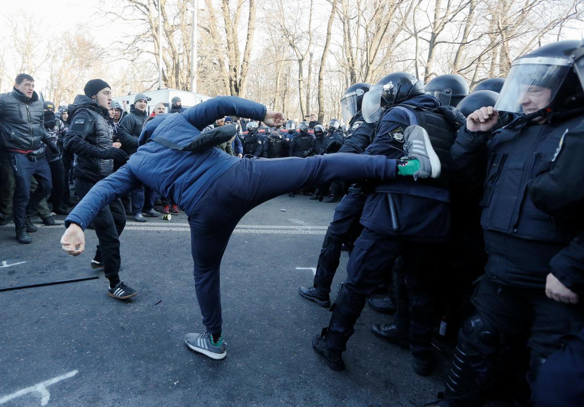 Столкновения под Радой / REUTERS