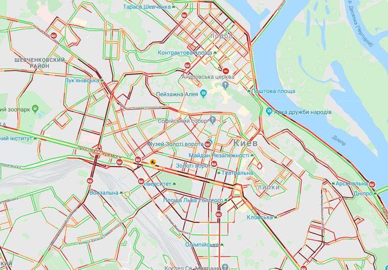 Красным обозначены пробки, Киев, 17 декабря 15:00 / фото GoogleMap