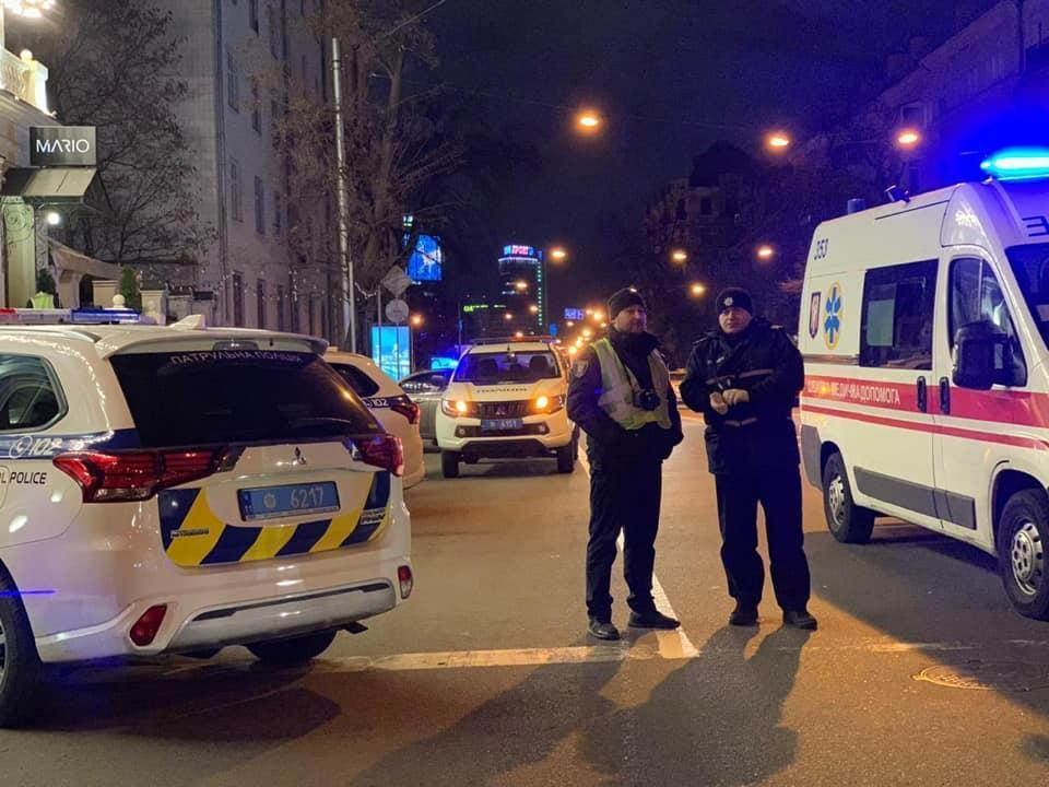 Наразі вирішується питання щодо оголошення ймовірного злочинця у міжнародний розшук / facebook.com/UA.KyivPolice