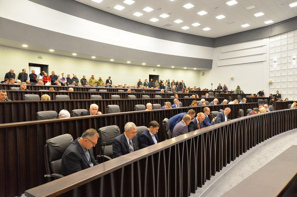 Тернопольский облсовет соберется под стенами Верховной Рады / фото te-rada.org