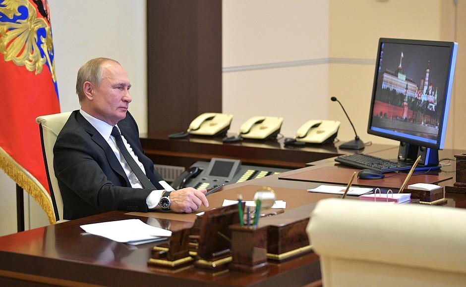 Путин пользуется Windows XP / Kremlin.ru