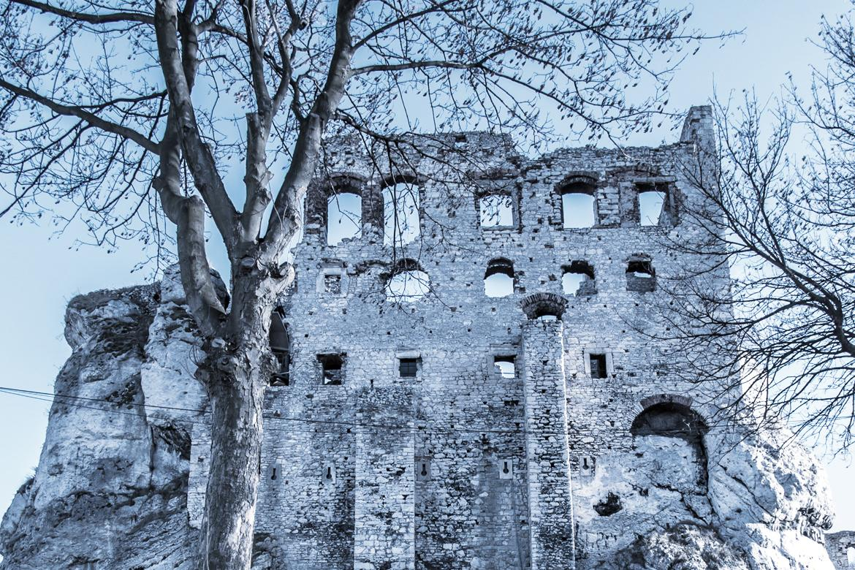 У замку Огродзенець неподалік від Кракова знімали деякі сцени «Відьмака» / Фото www.polscha.travel