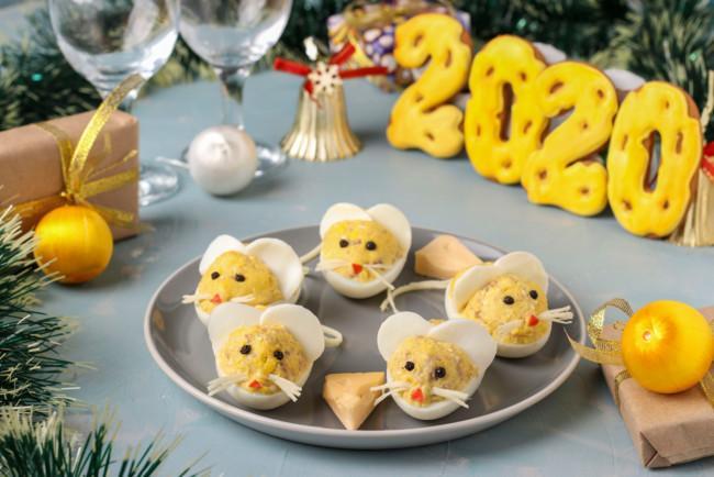 Фаршированные яйца в виде мышек / Depositphotos