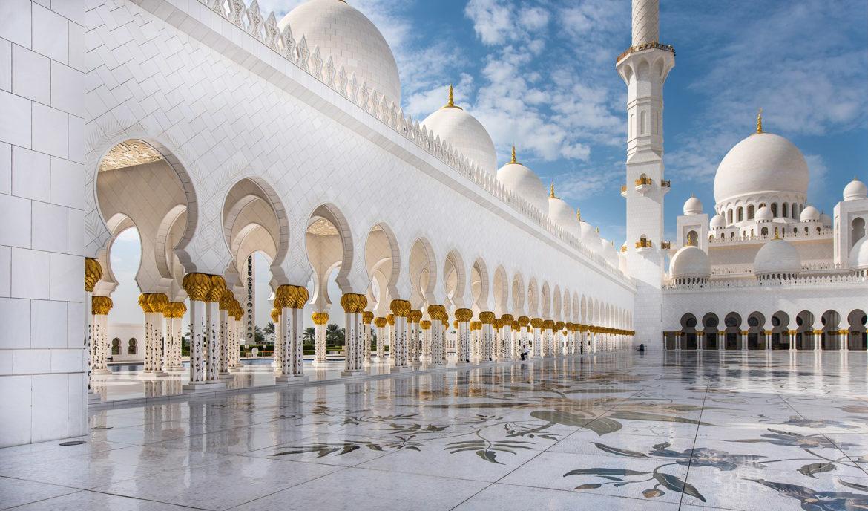В программу экскурсии вошли пятьзначимых мечетей \ andriasmara.com