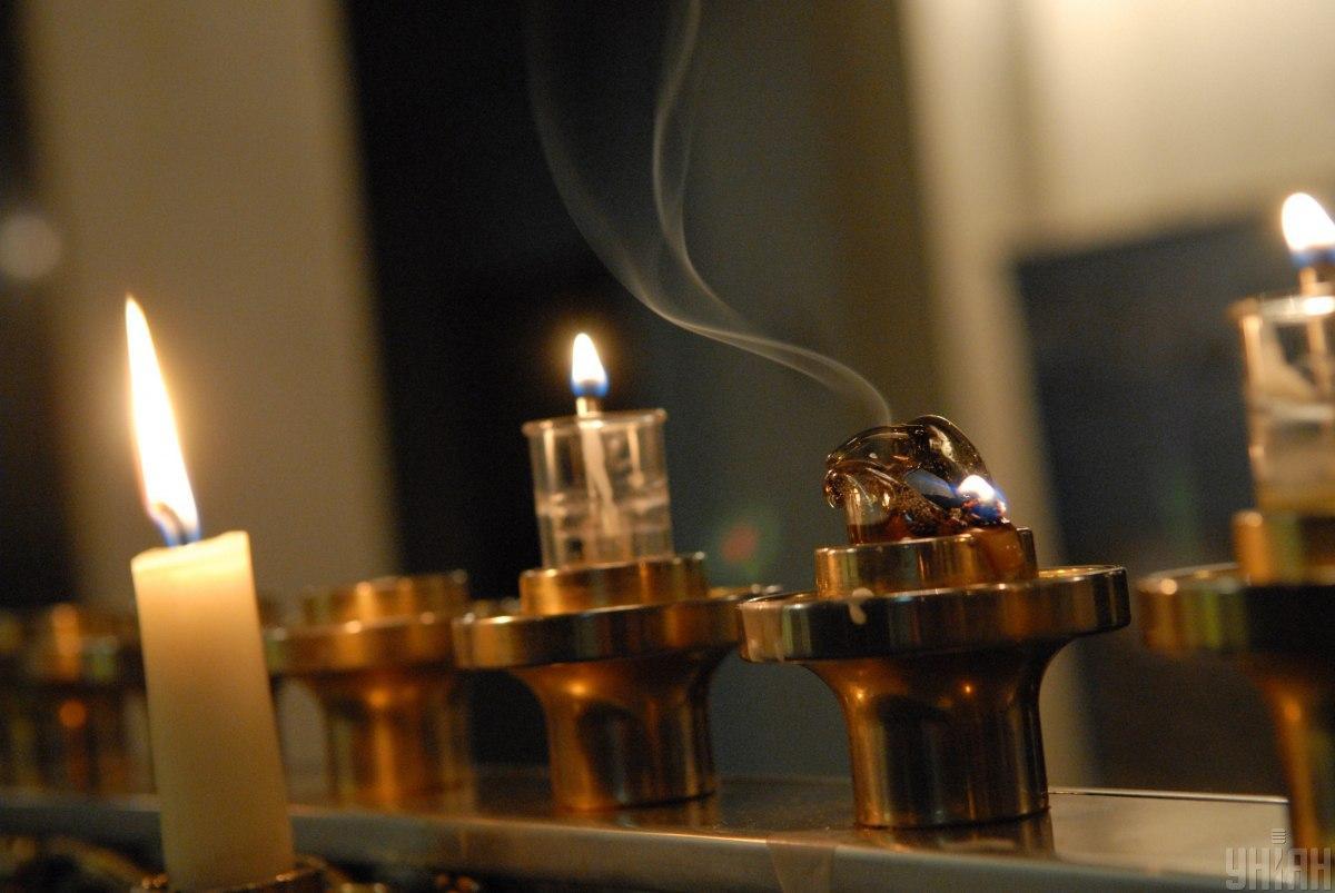 Заповедь зажигания ханукальных светильников обязательна для всех / Фото: УНИАН