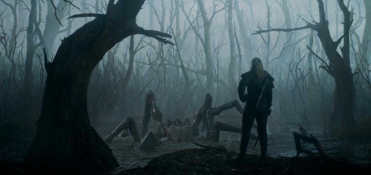 Бой с кикиморой из первой серии сериала / скриншот из трейлера