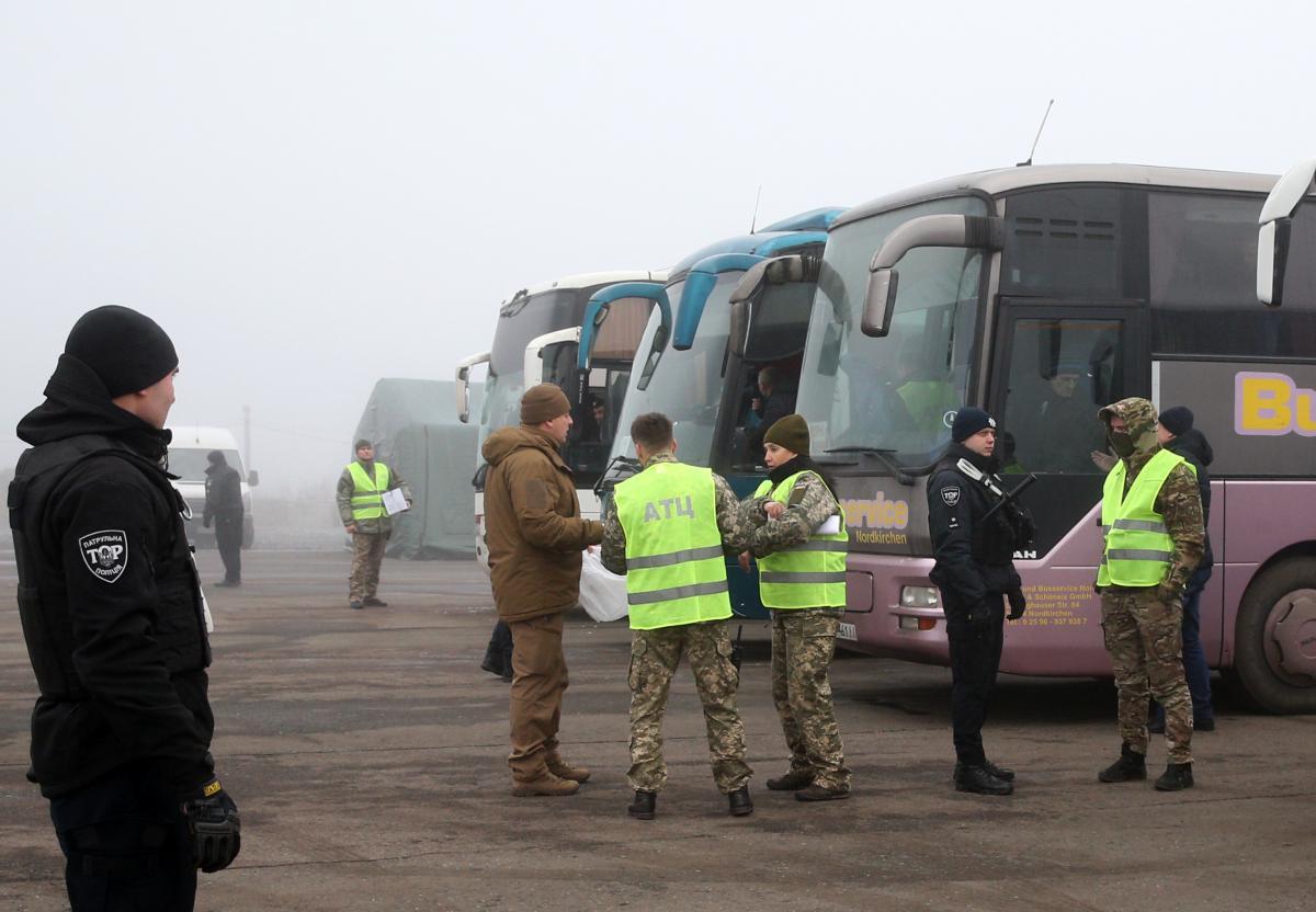 Максим Теорентер - один из освобожденных из плена боевиков/ фото: twitter.com/APUkraine
