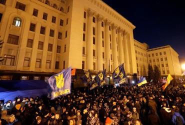 Полиция назвала число участников акций на Майдане и возле Офиса президента