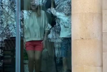 Галкін показав Пугачову в рожевих міні-шортах (відео)