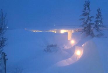 Север Исландии завалило снегом