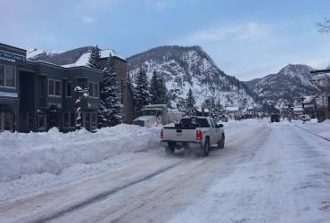 Горные районы Колорадо завалило снегом (видео)