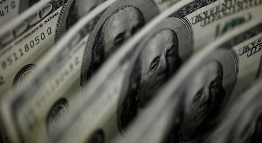 Hryvnia keeps beefing up against dollar, euro