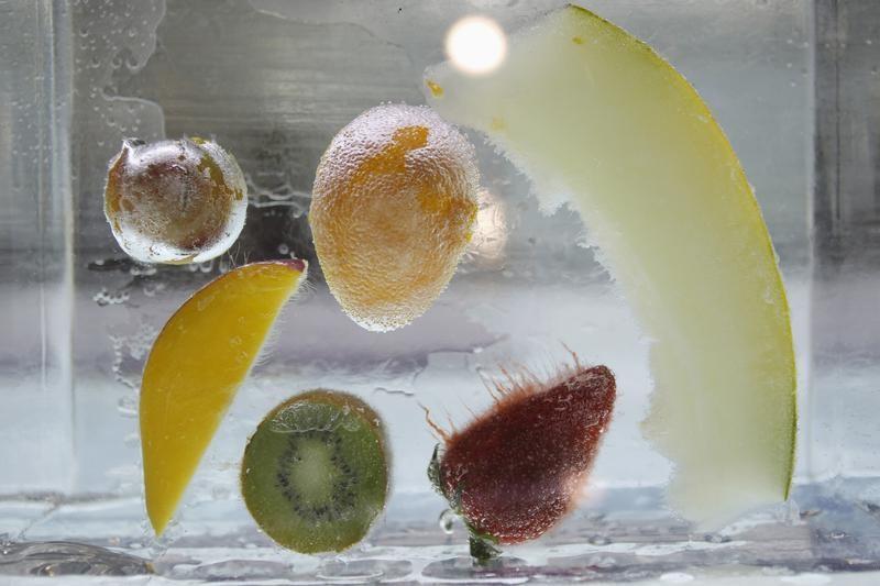 Древние люди ели очень сбалансированную пищу, богатую на углероды и белки / Иллюстрация REUTERS