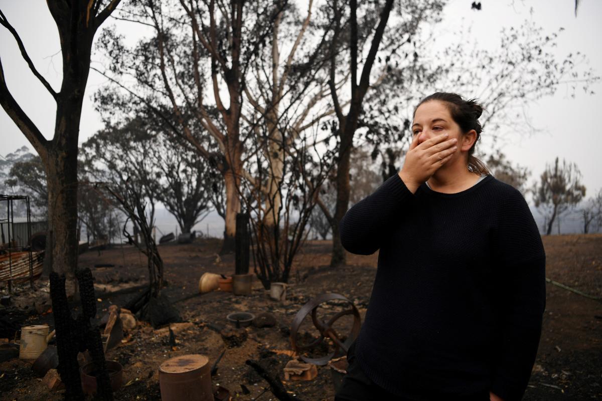 Сильнейшие пожары принесли много бед / REUTERS