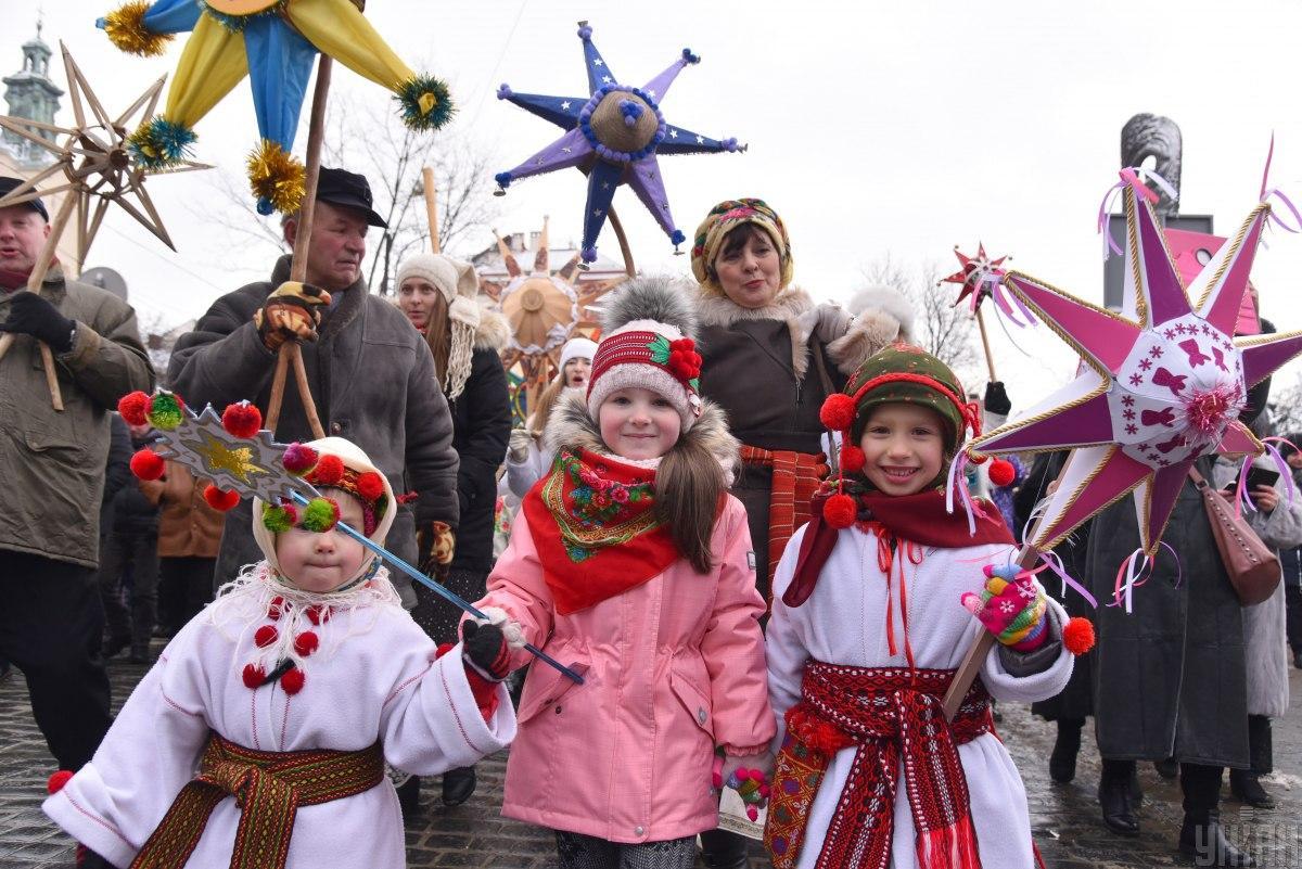 На Контрактовой площади также будут проходить праздничные народные гуляния \ УНИАН