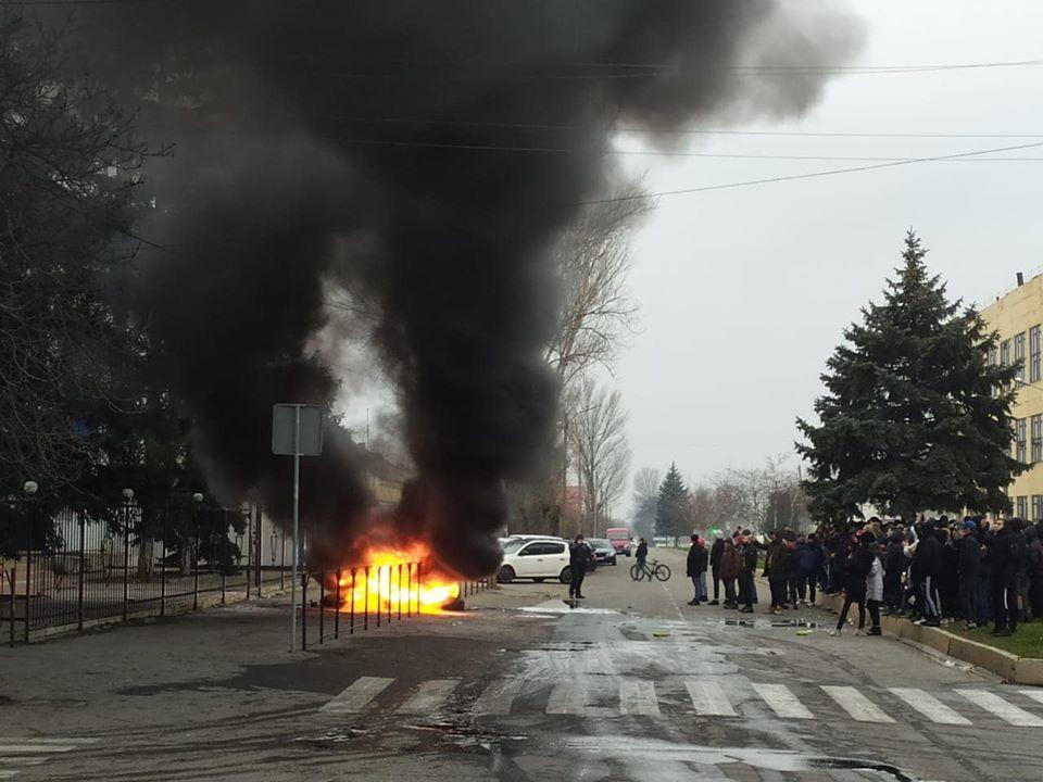 На Херсонщине в связи с убийством жителя Каховки трех полицейских отстранили, еще трех – уволили / фото из соцсетей