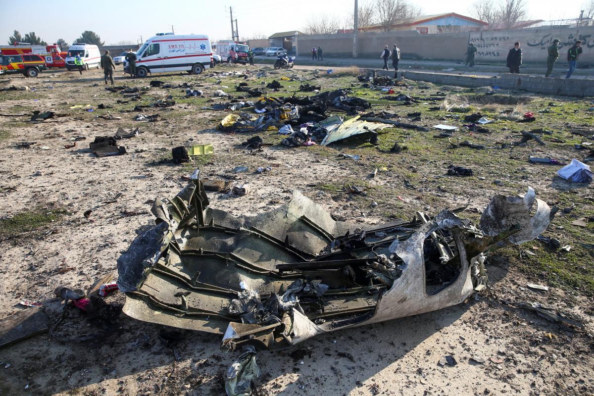 Место падения самолета МАУ в Иране / REUTERS