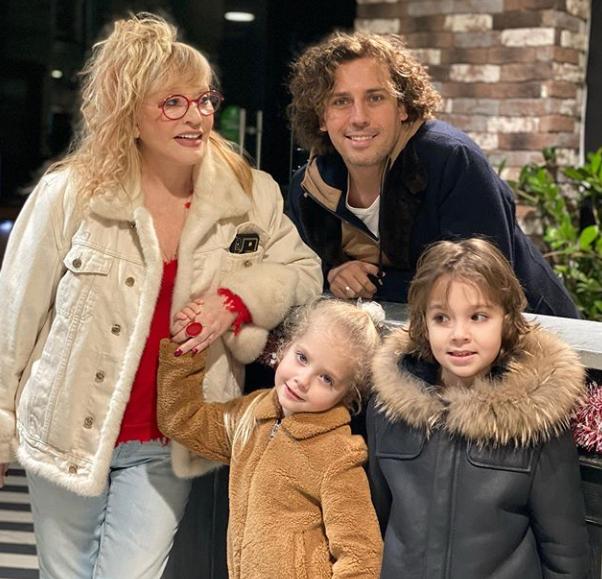 Пугачова з чоловіком і дітьми Лізою і Гаррі / instagram.com/maxgalkinru