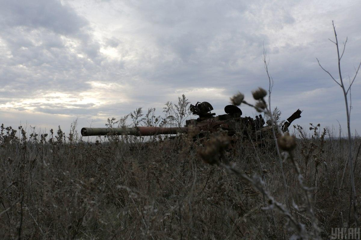 На Донбасі не стихають обстріли / фото УНІАН