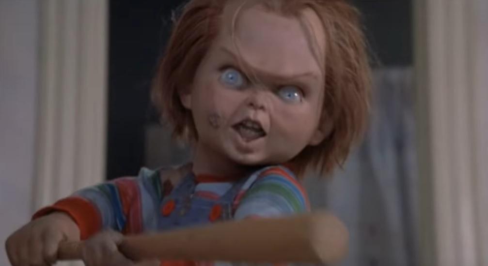 Про куклу Чаки снмут сериал / скриншот из фильма - Child's Play (1988)
