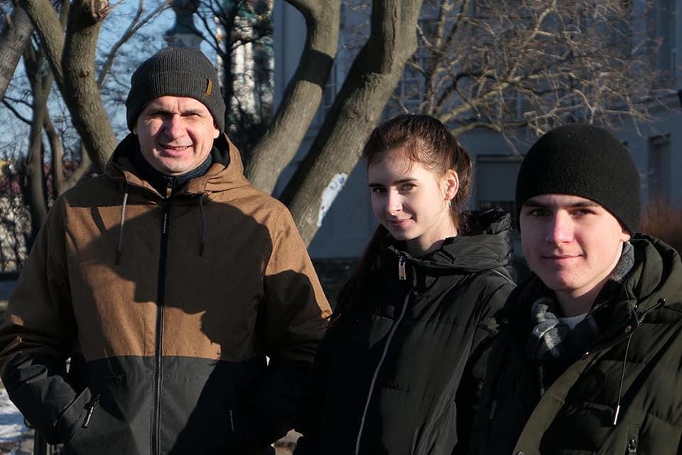 Семья Сенцова будет жить в Киеве / фото: facebook.com/oleg.sentsov