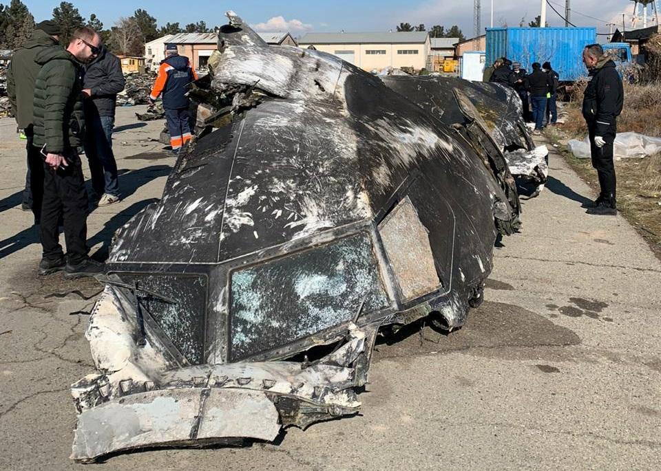 Место катастрофы самолета МАУ в Иране REUTERS