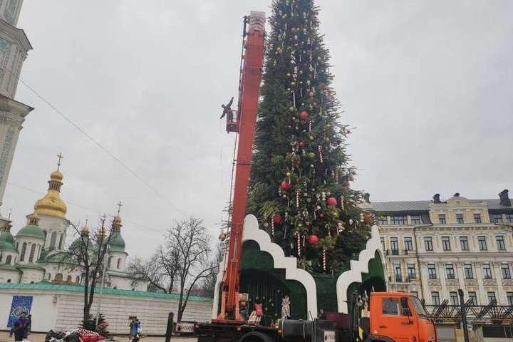 Завершити демонтаж планується до 17 січня / Kyiv LIVE