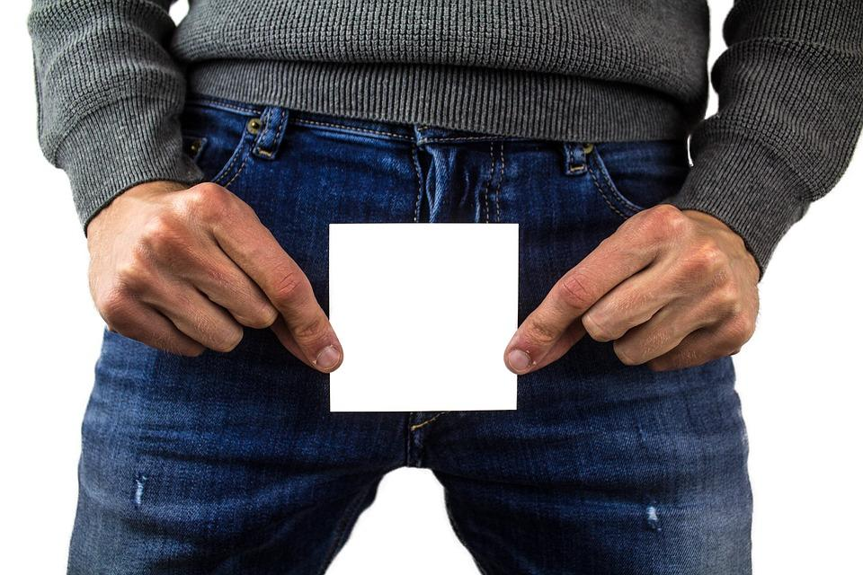 Почему происходит перекрут яичка / фото pixabay.com