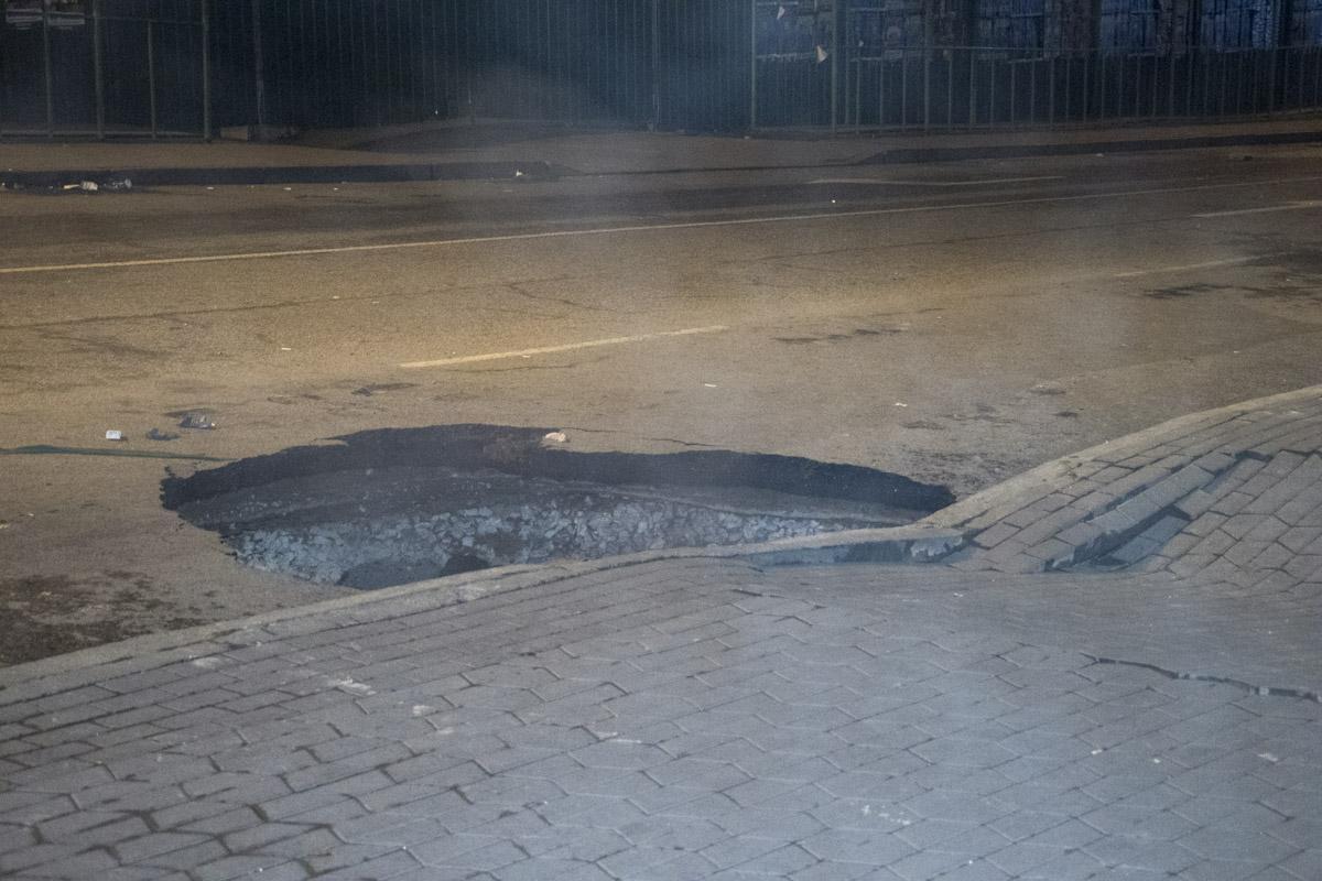 По мнению депутата Киевсовета Владимира Левина, аварию спровоцировало усиление давления в трубопроводе / фото: Информатор