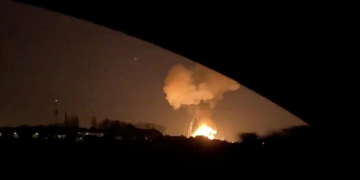Взрыв на нефтехимическом заводе в Испании / REUTERS