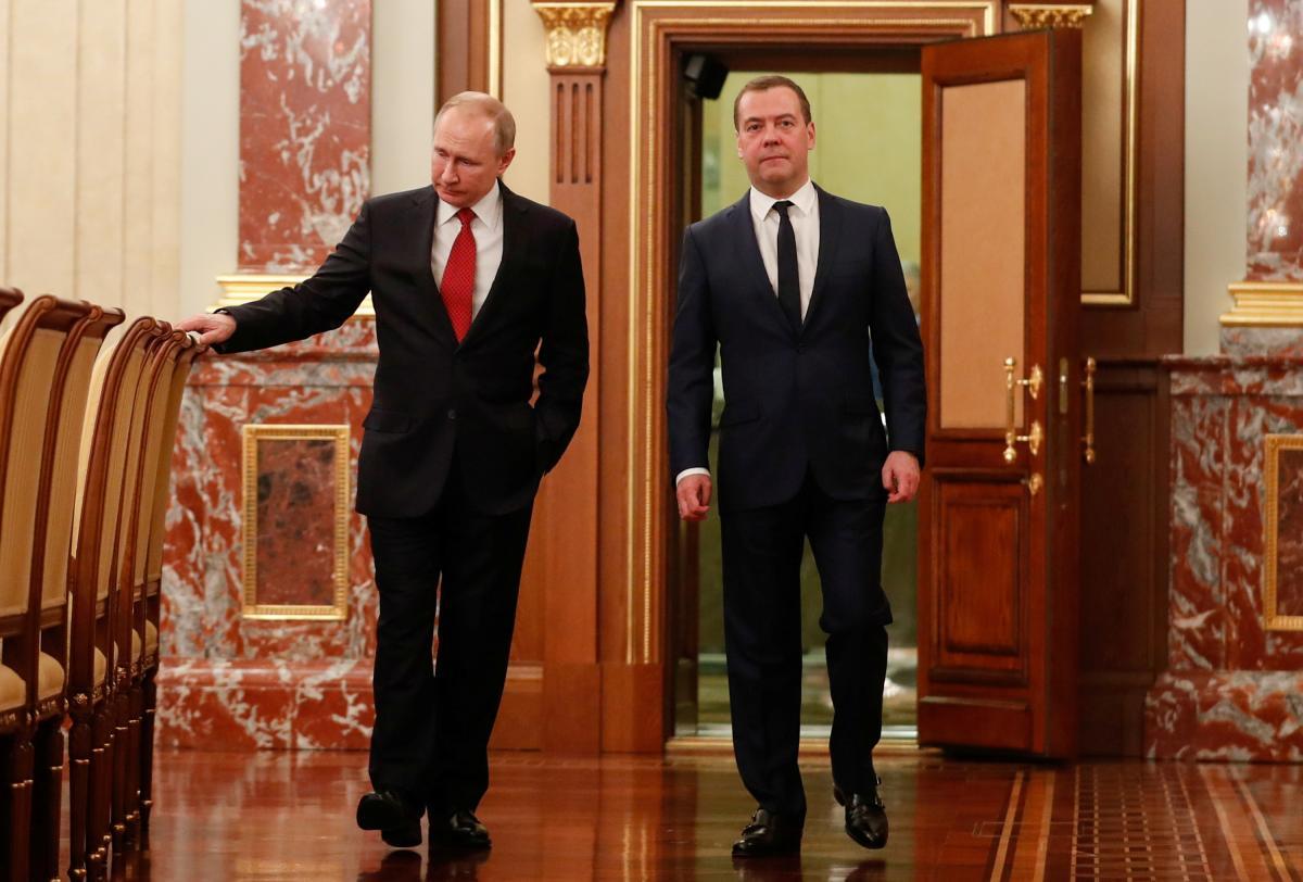 Владимир Путин и Дмитрий Медведев / REUTERS
