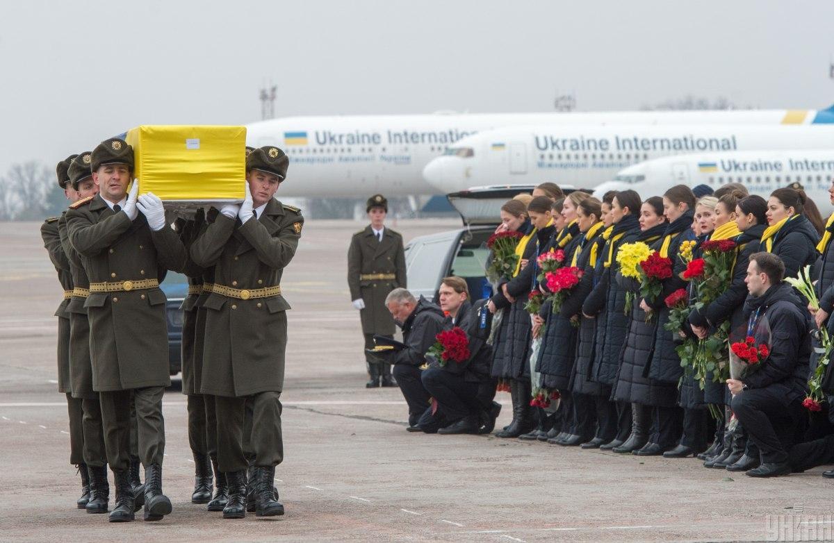 На борту Boeing 737 находились 11 граждан Украины, в том числе 9 членов экипажа / фото УНИАН