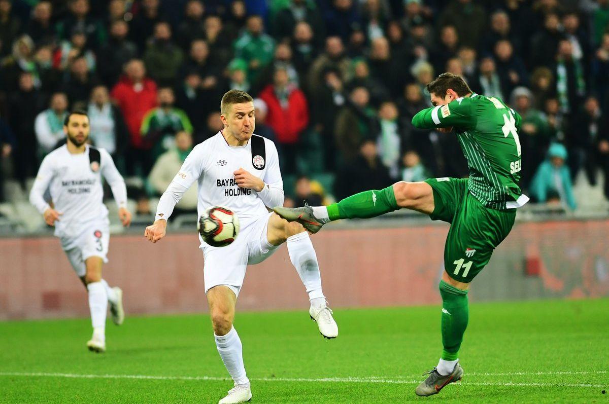Євген Селезньов відкрив рахунок у матчі / фото: twitter.com/bursasporsk