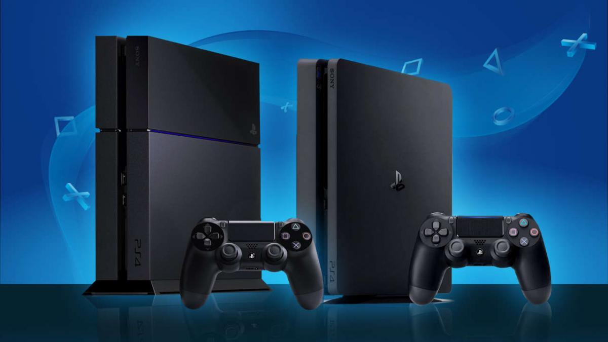PlayStation 4 и ее Slim-версия / фото gamespot.com
