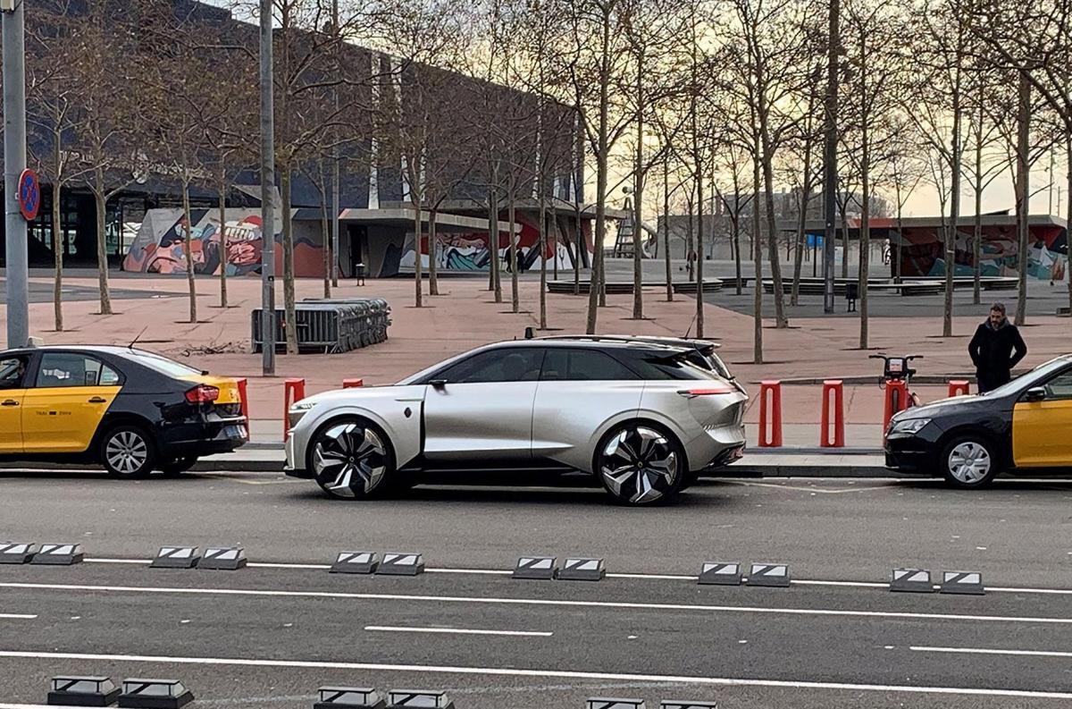 Официальная премьера автомобиля состоится в марте / фото AutoWeek