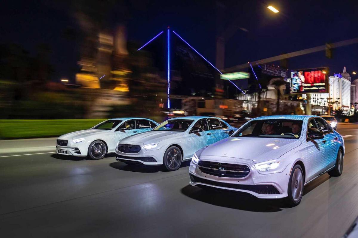 В семействе появятся семь гибридов и новые умные ассистенты / фото Mercedes-Benz