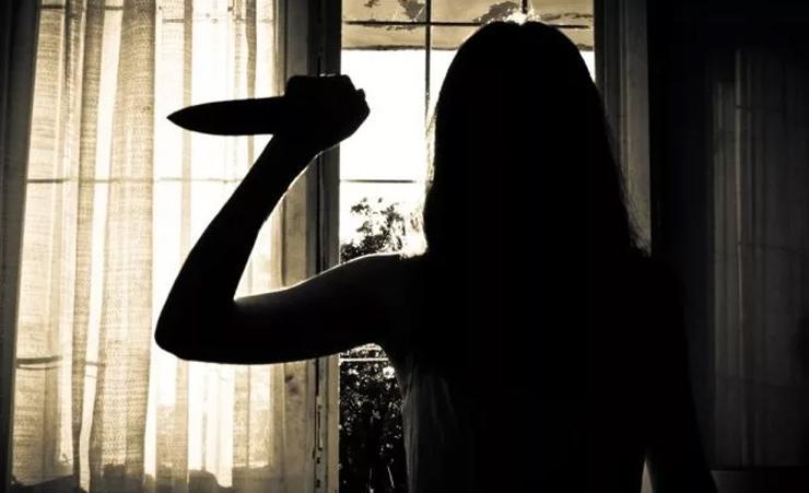 Девушка нанесла несколько ножовых ранений в грудь/ фото slutsk24.by