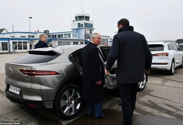 Принц Чарльз воспользовался электромобилем / фотоinstagram.com/clarencehouse