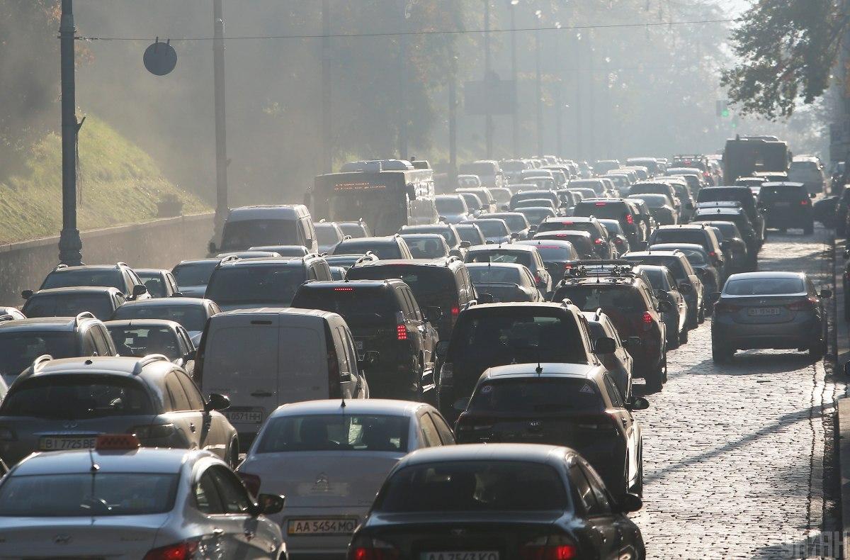 У Києві щільний трафік \ фото УНІАН