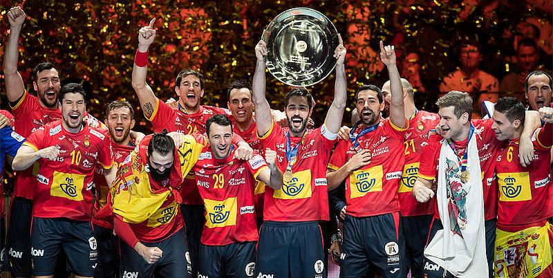 Испанцы защитили титул / фото: men2020.ehf-euro.com