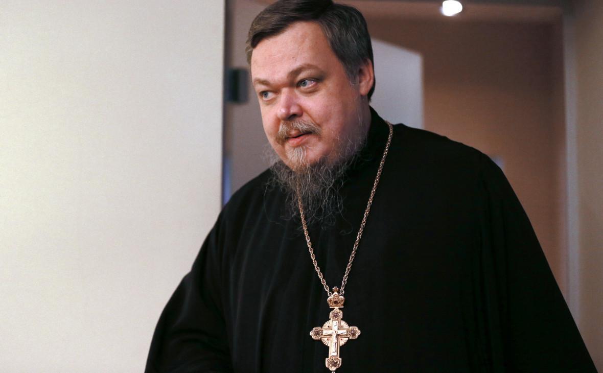 Скандальному священнику внезапно стало плохо у входа в храм / znaj.ua