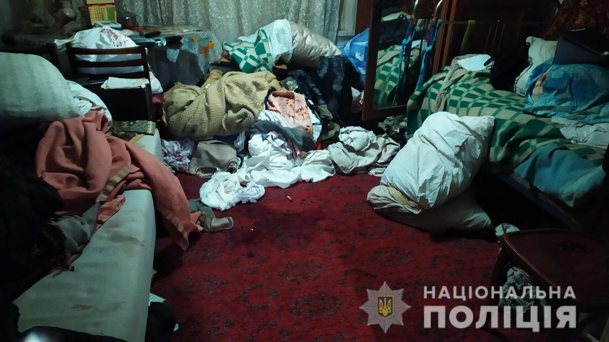 Мужчины проникли в дом пенсионера/ фото НПУ