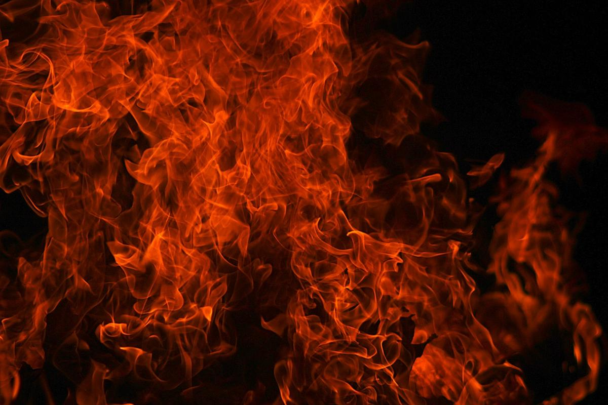 По словам очевидцев, самолет загорелся / Фото pixabay.com