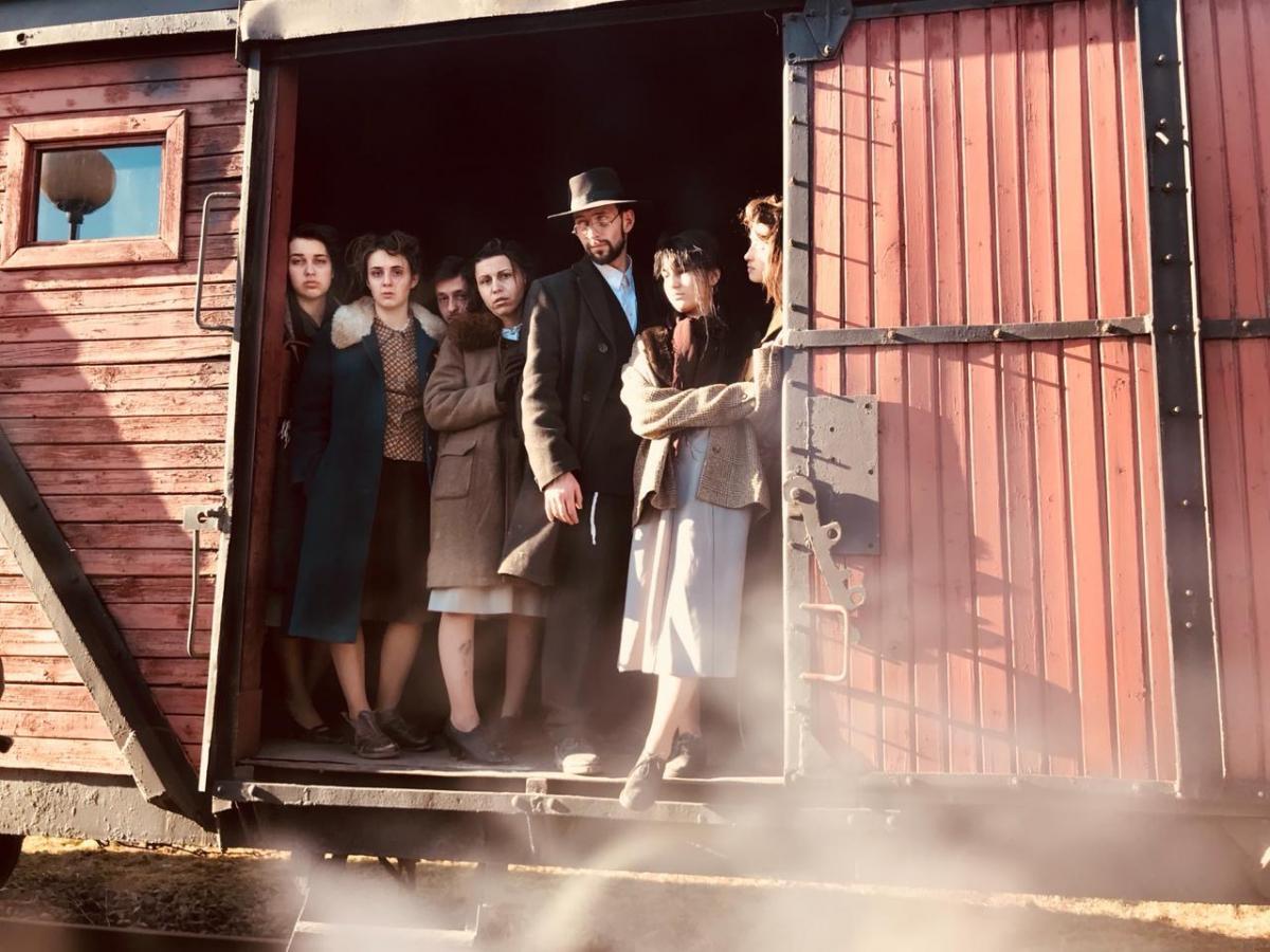 Съемка сцены отправления поезда в концлагерь / фото из архива Colorfilm