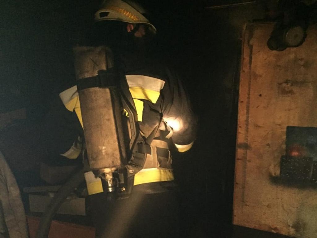 Возгорание возникло в подвальном помещении двухэтажного здания / фото dp.dsns.gov.ua
