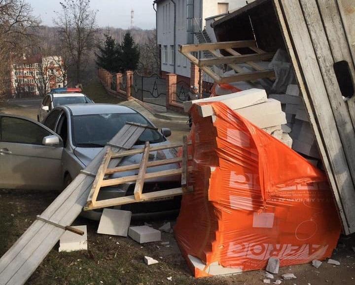 В результате инцидента поврежден автомобиль / фото патрульная полиция Тернопольской области