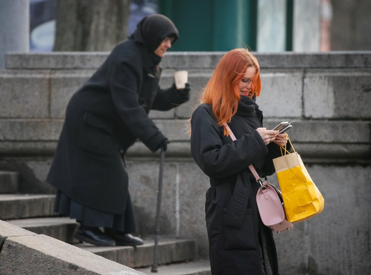У більш ніж 40% сімей принаймні один член родини втратив роботу / Ілюстрація REUTERS