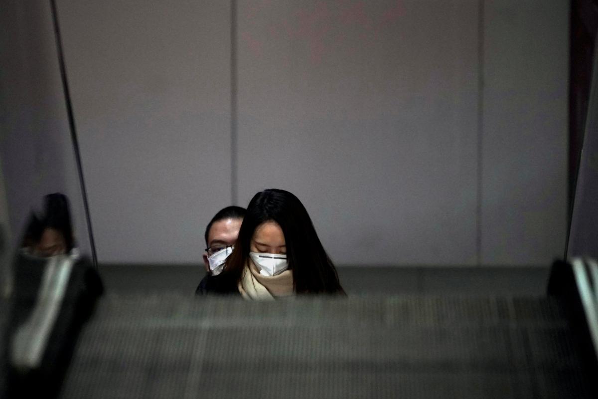 На промрынке работают много граждан Китая / фото REUTERS